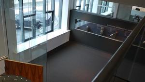 ClampOn AS. Inngangsparti/ utstillingsområde.