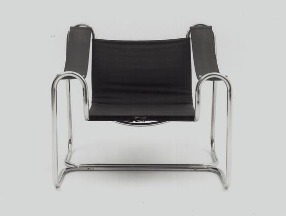 Funkis stålrørsstol, fra studeietiden. Foto: Privat