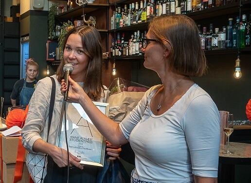 Anne Alnæs' studentpris 2019 ble vunnet av Andrea Fredriksen fra KMD ved UiB