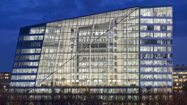 The Edge, Amsterdam. Deloitte's Amsterdam HQ becomes world's most sustainable office building. The Edge was awarded an